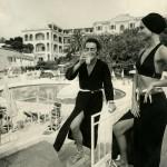 29.Walter Albini, Collezione Cina per Cole of California- Mare Moda Capri, Primavera/Estate 1969, Stampa fotografica in bianco e nero su carta bromuro d'argento, mm 298 × 239.