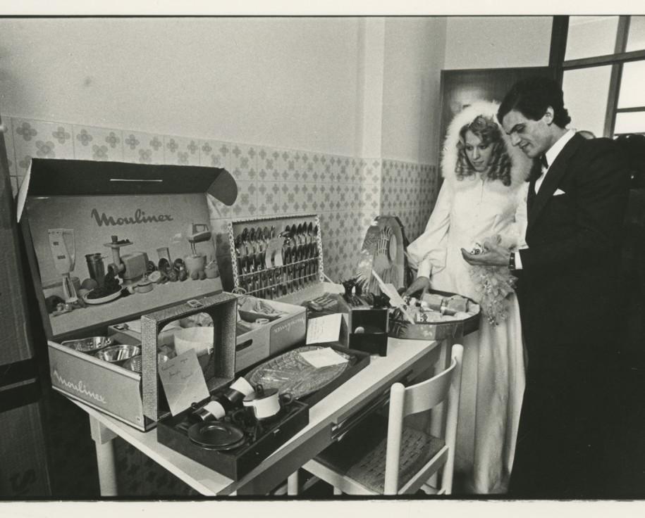 Marzia Malli, s.t. (matrimonio), 1977-78, stampa fotografica in bianco e nero, 175x238 mm