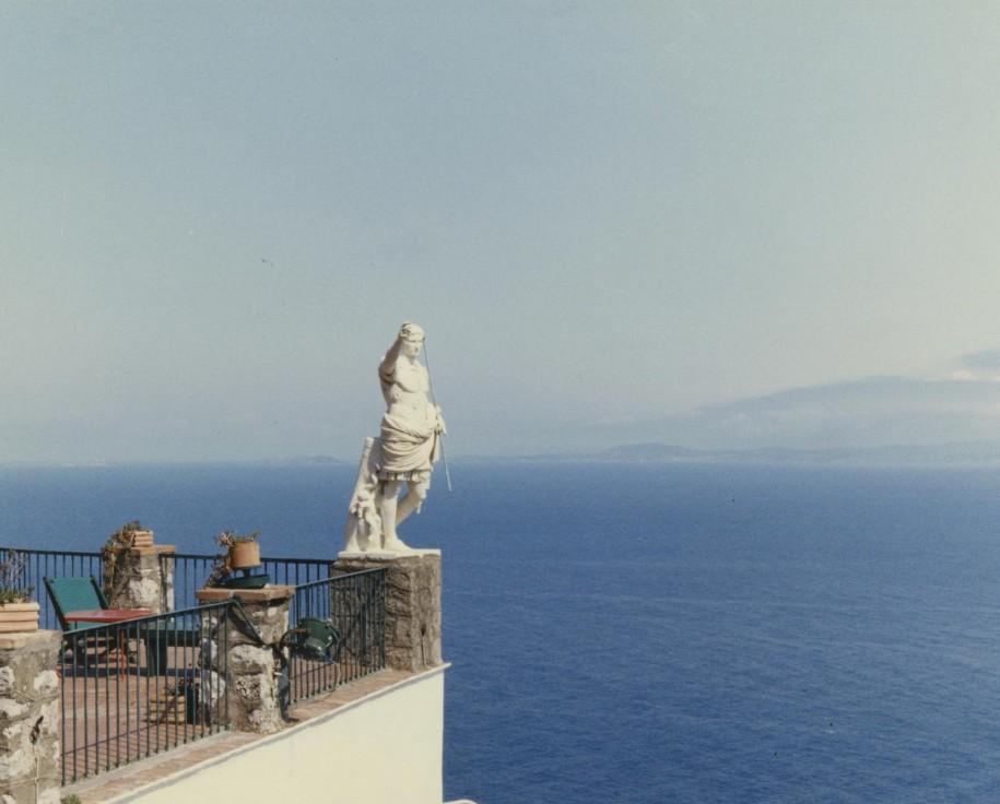 """Luigi Ghirri, Anacapri, Capri, Napoli (serie """"Viaggio dentro un antico labirinto), 1981, C-print mm 196x293"""